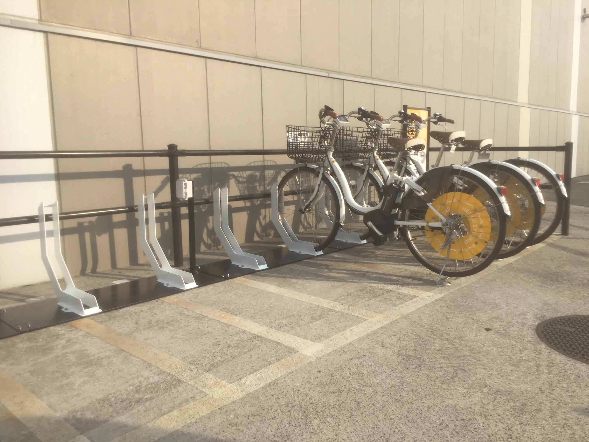 イオンモール幕張新都心 ファミリーモール西 (HELLO CYCLING ポート) image